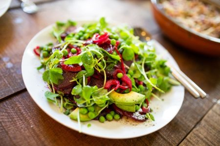 9 Amazing Reasons Why You Should Eat Salads Daily